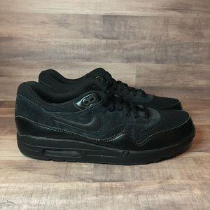 Nike Air Max 1 Essentials Triple Black 537383-020